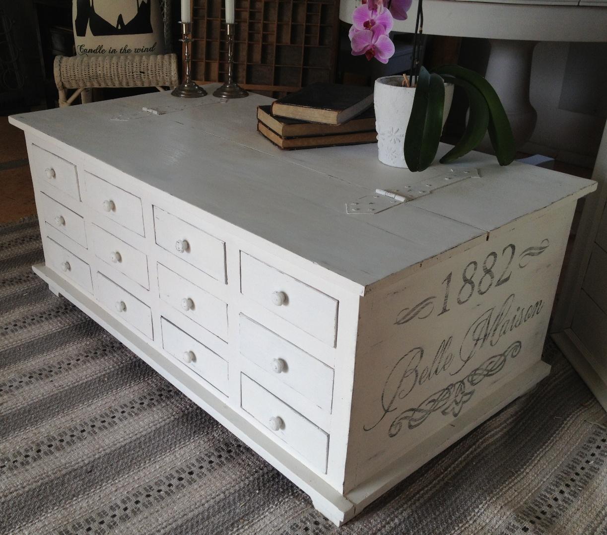 kistbord möbler ~ himlarum  soffbord kistbord med 12 st lådor och fransk text