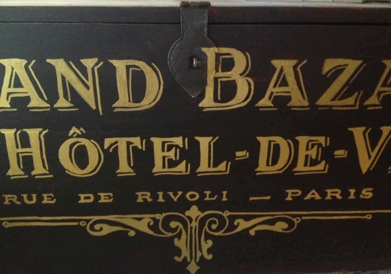 kistbord möbler ~ himlarum  svart kistbord soffbord 12 lådor fransk guldtext