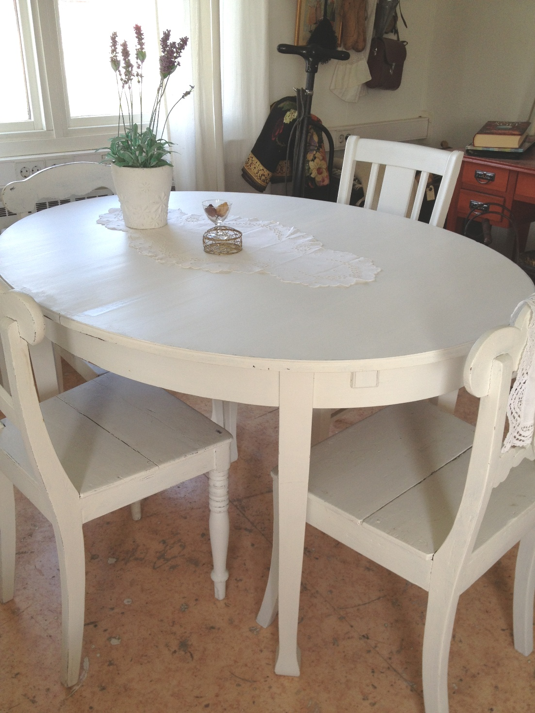 Lantliga Koksbord : Ovalt matbord koksbord jugend