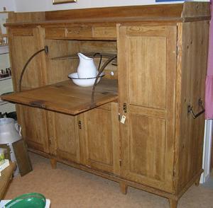 Unikt köksskåp med bakbord