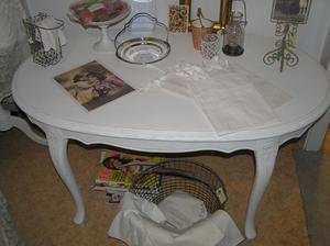 Ovalt soffbord i rokokostil