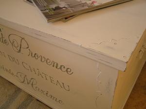 Lantlig kista shabby chic Lavande de Provence