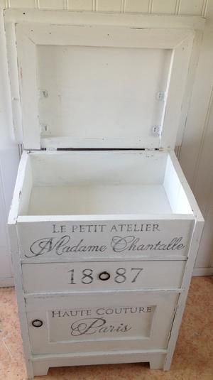 Kommod sängbord Madame Chantalle