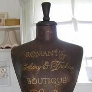 Romantic Clothing & Fashion