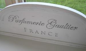 Skänk skåp Parfumerie Gaultier