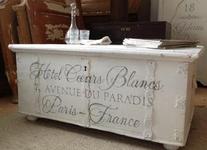 Gammal kista text Hôtel Coeurs Blancs