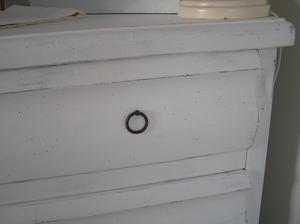 4-lådig byrå med välvda lådfronter