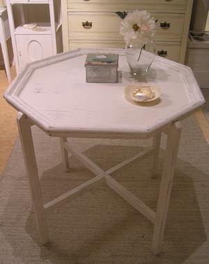 Åttkantigt soffbord brickbord