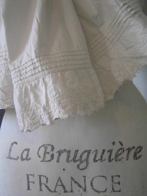 Spetskjol och fransk text