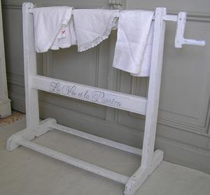 Hängare för överkast el. handdukar
