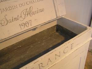 Antik diskbänk med zinkho och fransk text