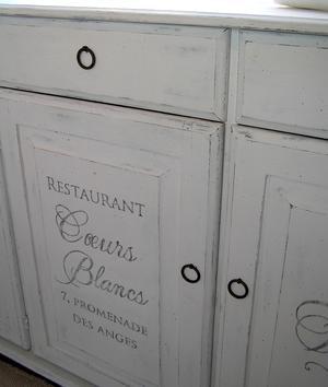 Avlång skänk text Restaurant Coeurs Blancs¨