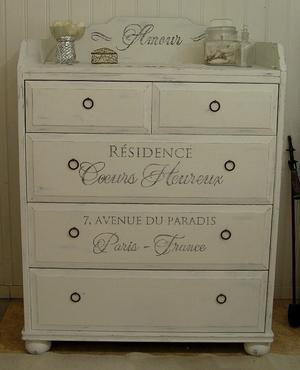 Skötbord byrå shabby chic med fransk text