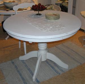 Pelarbord matbord med iläggsskiva