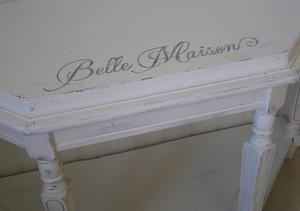 Sideboard med text Belle Maison