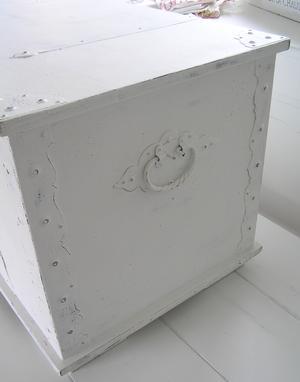 Kista sideboard med engelsk text